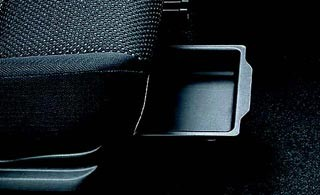 Ablagefach Beifahrersitz furthermore Fiat Ducato Habillage Decoration De Tableau De Bord Piece also Maruti Suzuki Kizashi further Cs As Achterspoiler Dakspoiler Suzuki Ignis B likewise V Rs. on 2017 suzuki kizashi