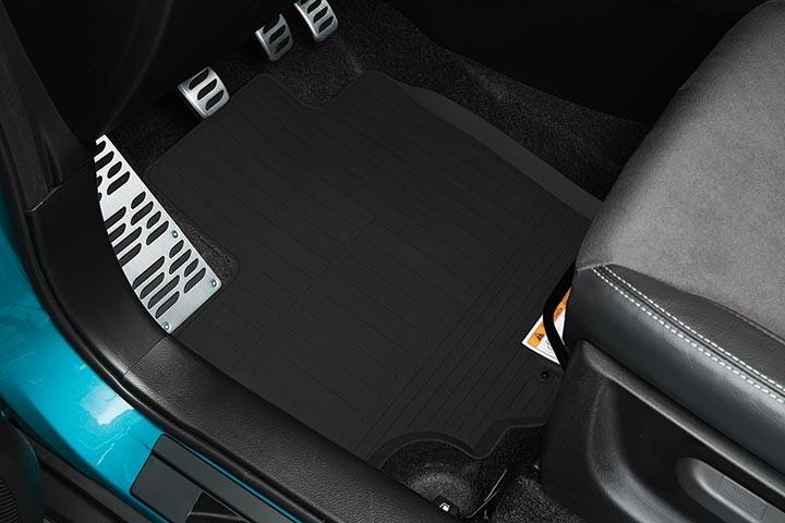 suzuki zubeh r fussmatten gummi interior vitara auto zubeh r. Black Bedroom Furniture Sets. Home Design Ideas